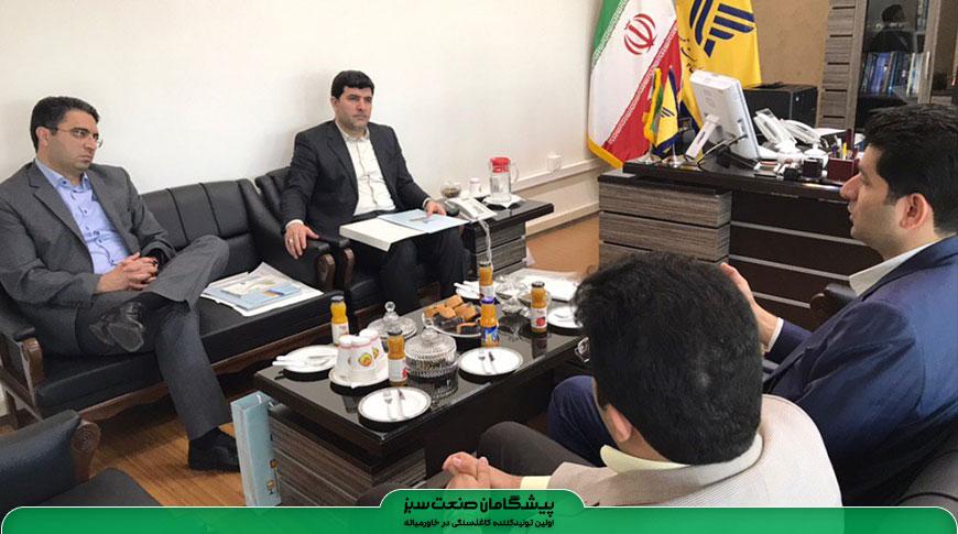 مدير عامل شركت ملي پست جمهوری اسلامی ایران بر ضرورت فراگیر شدن استفاده از کاغذ سنگی در صنعت پست کشور تاکید کرد