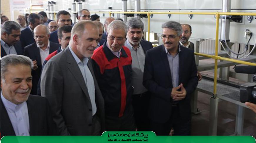 نخستین کارخانه تولید کاغذ از سنگ آهک با حضور وزیر تعاون کار و رفاه اجتماعی در یزد افتتاح شد