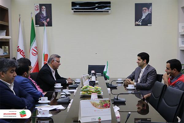 بازدید مدیرعامل بانک ملت استان یزد از شرکت پیشگامان صنعت سبز
