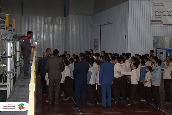 بازدید مدرسه خاتم الانبیا از شرکت تعاونی تولیدی پیشگامان صنعت سبز