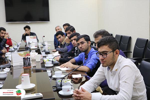 بازدید معلمین استان فارس از شرکت پیشگامان صنعت سبز